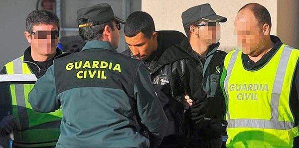 """""""الكبت ومايدير"""" .. مهاجر مغربي يقوم بفعل """"قبيح للغاية"""" في مركز تجاري باسبانيا"""