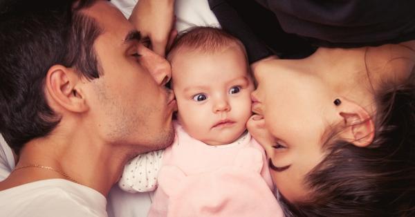 الحكومة تعد خبرا سارا للأباء الذين ينتظرون استقبال مولود جديد بالمغرب