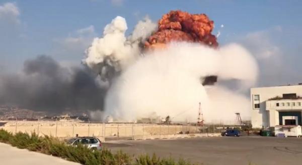 """تسببت في انفجار ضخم ومرعب.. كیف وصلت """"شحنة الموت"""" إلى لبنان؟"""