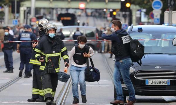 تفاصيل صادمة في واقعة الاعتداء الإرهابي الذي هز فرنسا اليوم