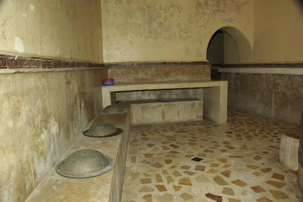 حمام شعبي يتسبب في نشر فيروس كورونا بأحد أحياء مراكش والحصيلة في ارتفاع