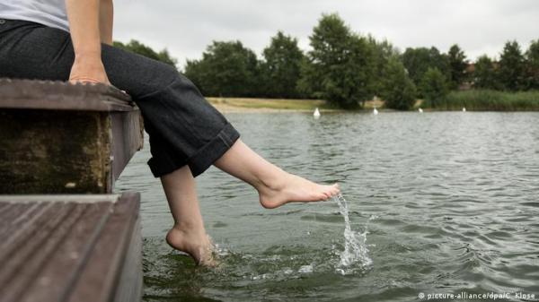 خمس نصائح للتخلص من احتباس الماء بالجسم في أيام الصيف!