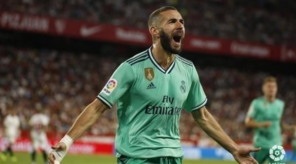 """ريال مدريد يتجاوز """"كبوة"""" باريس بفوز ثمين على أرض اشبيلية ويتصدر الليغا"""