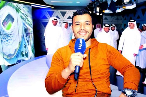 """بالفيديو: المعلق المغربي """"آيت علي"""" يكشف أسباب مغادرته قناة """"الكأس"""" القطرية ويعلق على مستوى """"معلقي"""" الدوري الوطني"""