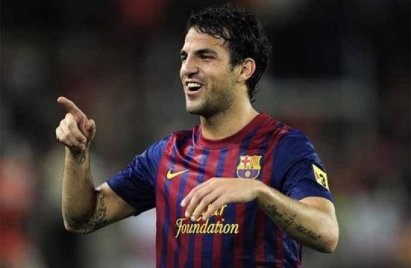 برشلونة يعلن أن فابريغاس سيغيب عن الملاعب لمدة 7 أيام بسبب الإصابة
