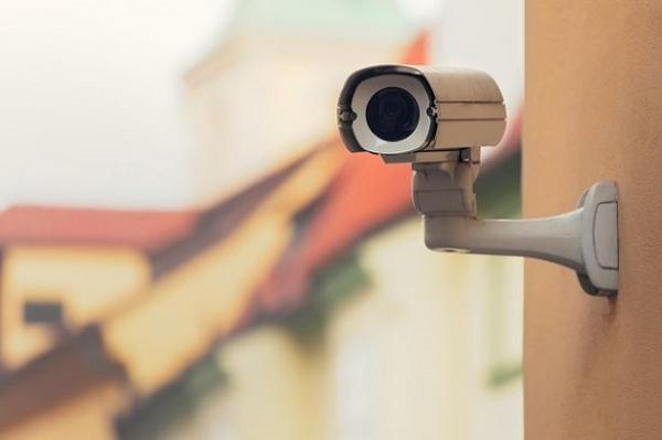 قامت بتثبيت كاميرات في منزلها فوثقت مقتلها بعد ساعات