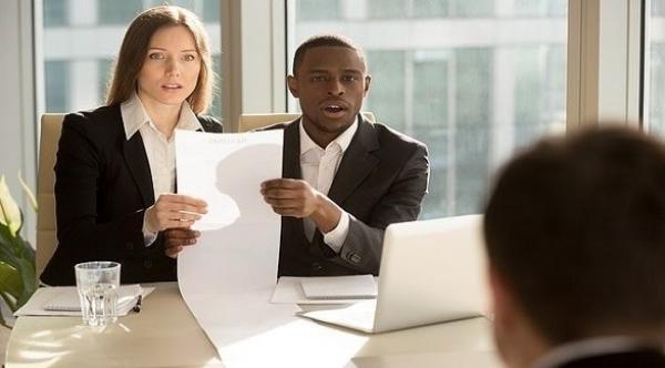 أسئلة غريبة يطرحها المرشحون في مقابلة العمل...تعرف عليها