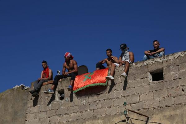 انهيار منزل ثان بالمدينة القديمة بالبيضاء والساكنة تعتصم فوق السطوح (صور)