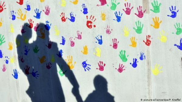 خبير طفولة: البشرية قد تتلاشى في غضون 200 سنة!