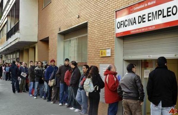 المغاربة يواصلون سيطرتهم على مناصب الشغل بإسبانيا وعددهم يحقق ارتفاعا جديدا