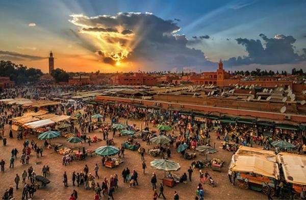 مراكش وأكادير يحققان أعلى النسب في ليالي مبيت السياح خلال النصف الأول من  السنة