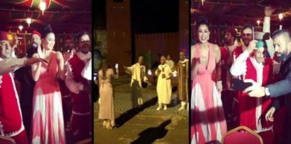 """بالفيديو..المصرية """"غادة عبد الرازق"""" ترقص على إيقاعات الدقة المراكشية"""