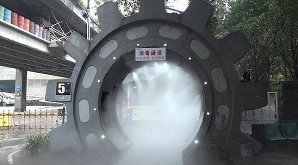 بناء نفق في الصين من أجل تعقيم الموظفين من فيروس كورونا