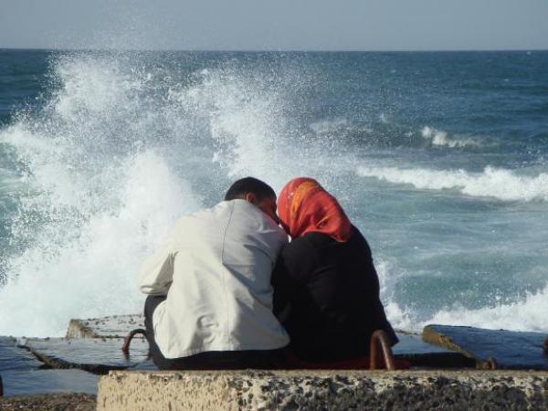 """""""أبو حفص"""" يفاجئ المغاربة ويؤكد أن """"زواج المتعة"""" مورس في عهد الرسول ويأتي بدليل شرعي"""