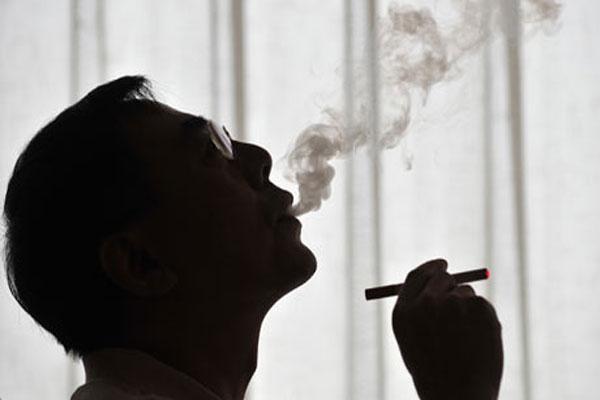 الأشخاص الذين يدخنون الحشيش هم أكثر عرضة للإصابة بالسرطان