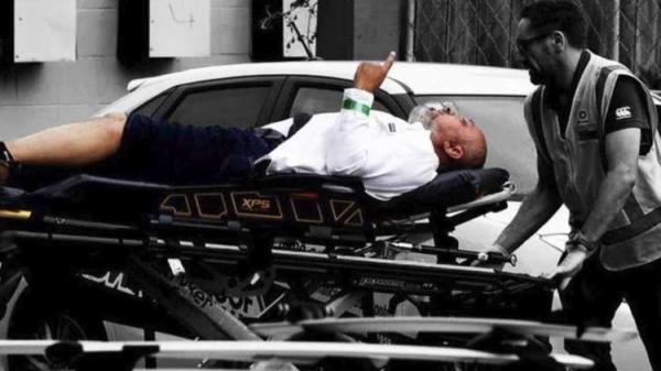 من هو الرجل الذي ظهر رافعا أصبعه وهو يتشهد بعد مجزرة المسجدين..وكم رصاصة اخترقت جسده؟