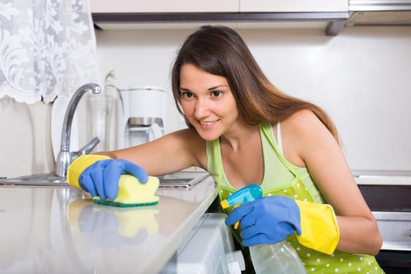 لربات البيوت...احذرن من أضرار الغبار المنزلي