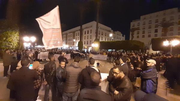 بالصور:الأساتذة يُشعلونها أمام البرلمان ويتخذون هذه الخطوة التصعيدية