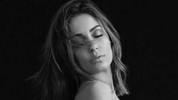 زوجة حكيمي تحذف صورتها العارية بسبب موجة الانتقادات والشتائم