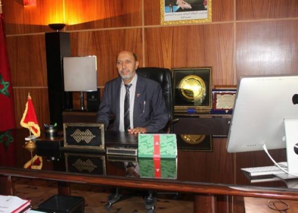 حسي مسي: عمدة مراكش يعرض بقعة جماعية للبيع بالملايير ومنتخبون يحتجون