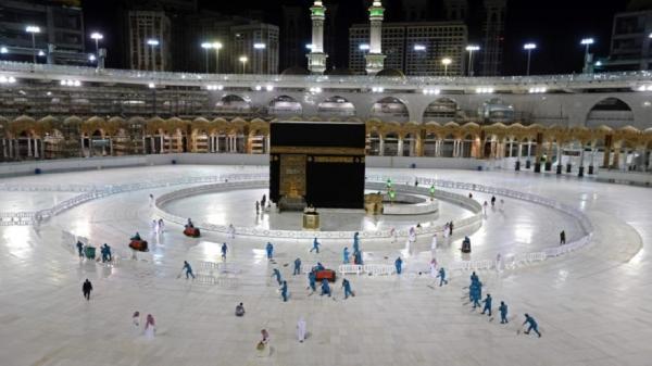 السعودية تعد خطتها لفتح العمرة والطواف