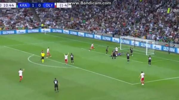 يوسف العربي يسجل لأولمبياكوس في تصفيات دوري أبطال أوروبا