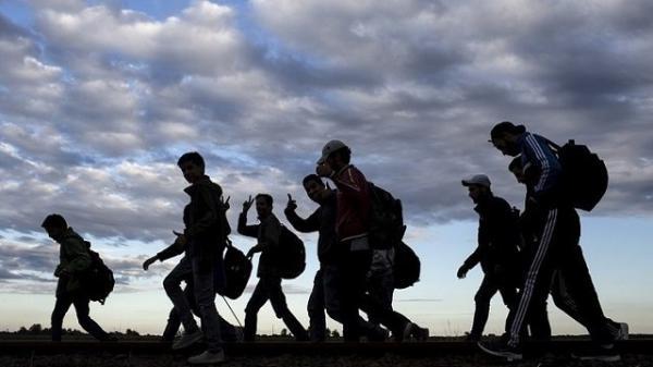 """في استطلاع للرأي: """"الحكرة"""" و الفساد وانعدام الإحساس بالمواطنة أسباب تدفع 90 بالمائة من المغاربة إلى الهجرة"""