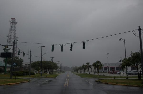 """الولايات المتحدة: إخلاء ساحل لويزيانا استعدادا للإعصار """"باري"""""""