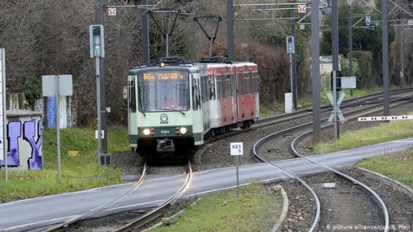 """السلطات الالمانية تكشف ملابسات حادث إغماء سائق قطار """"ترام"""" أثناء القيادة"""
