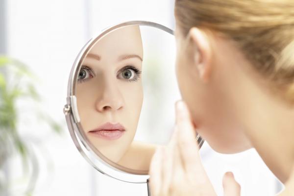طريقة فعالة للتخلص من بقع الوجه