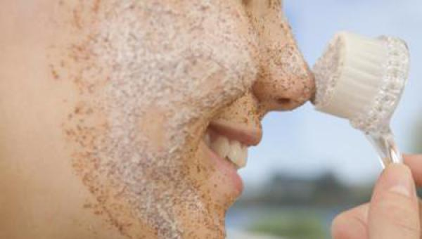 وصفة فعالة للتخلص من خلايا الجلد الميتة