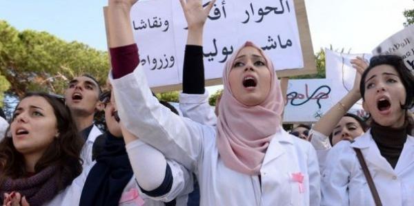 """أخيرا...""""الصمدي"""" يبشر بحل قريب لأزمة طلبة الطب والصيدلة"""