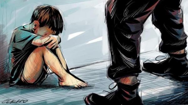 """مصيبة...خمسة """"شواذ"""" تناوبوا على اغتصاب طفل قاصر بالعرائش لسنوات"""