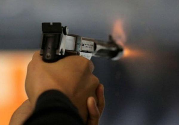 ضابط أمن يطلق النار بشكل مباشر على مجرم خطير لإنقاذ مواطن من هجوم مسلح بمكناس