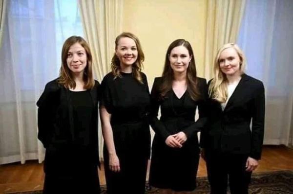 رئيسة وزراء فنلندا مع وزيرة الداخلية و وزيرة التعليم و وزيرة المالية في الحكومة الجديدة