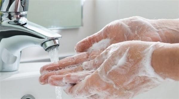 أسباب تحتم علينا غسل يدينا جيدا وبانتظام