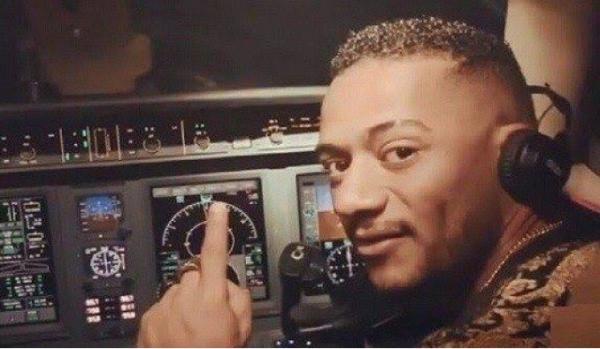 أول تعليق للفنان محمد رمضان بعد تسببه في طرد طيار من عمله