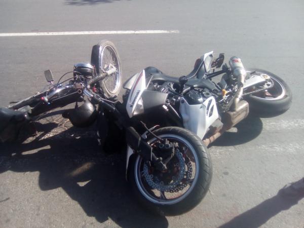 اصطدام دراجتين يُرسل 3 أشخاص إلى المستعجلات بأزيلال
