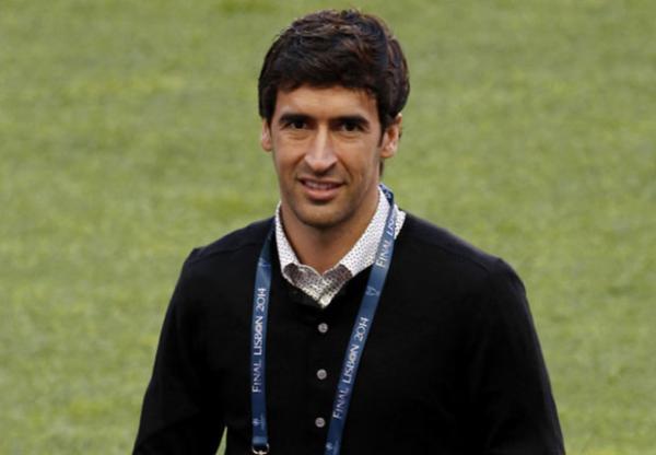 جماهير ريال مدريد تفضل راؤول غونزاليس مدربا للفريق