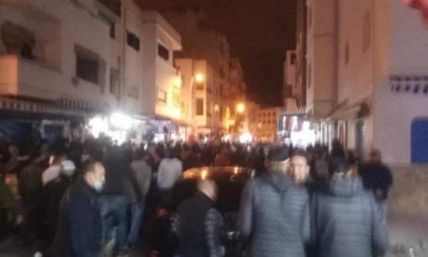 المضيق .. توقيف محتجين على خلفية مسيرة ليلية للمطالبة باقامة صلاة التراويح