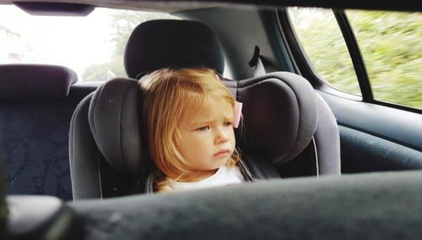نصائح مهمة  لحماية الأطفال من أشعة الشمس داخل السيارة خلال الصيف