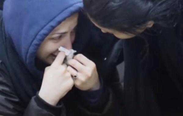 """تعاطف كبير مع """"منى فاروق"""" بعد حوارها المؤثر..وفنان مصري شهير يساندها (فيديو)"""