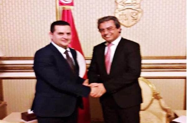 """الحكومة الليبية المؤقتة تبحث مع جارتها تونس سبل محاربة """"الإرهاب"""" وبعث علاقات التعاون والاستثمار بين البلدين"""