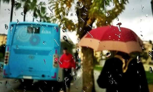انتبهوا...زخات مطرية رعدية تهم عددا من مناطق المملكة اليوم