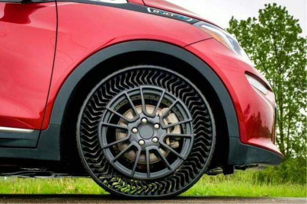 إطارات جديدة من دون هواء تبشر بثورة في عالم السيارات
