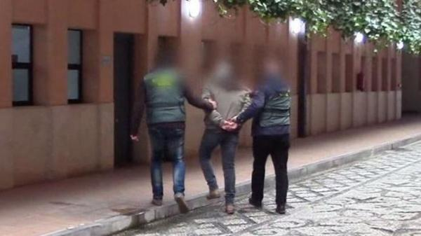 تفاصيل الاطاحة بشبكة ''زواج الأوراق'' بين مغاربة ونساء اسبانيات (فيديو)