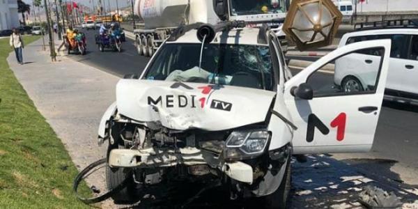 """نقابة """"ميدي1 تيفي"""" تحمل إدارة القناة مسؤولية حادث السير الذي أُصيب فيه صحافي بتطوان"""