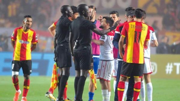 """مباراة """"الوداد"""" و""""الترجي"""" ستُعاد في هذا البلد وهكذا كان رد فعل التونسيين بفرنسا(فيديو)"""