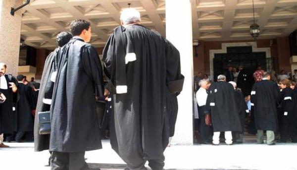 """بعد القضاة...محامون من تطوان مهددون بمساطر تأديبية بسبب """"فايسبوك"""""""