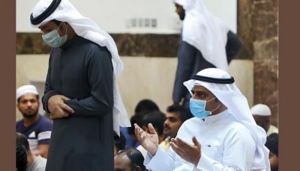 """جدل جديد بالسعودية: """"المفتي العام"""" يجيز الصلاة بلا """"وضوء"""" ولا """"تيمم"""" بسبب كورونا"""